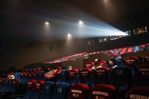بازگشایی دوباره سینماها در شهر مکزیکوسیتی/ رویترز