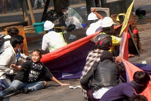 تظاهرات خونین معترضان به کودتای ارتش میانمار. دستکم 38 کشته در یک روز در شلیک مستقیم نیروهای ارتش میانمار به سمت مردم معترض/ رویترز