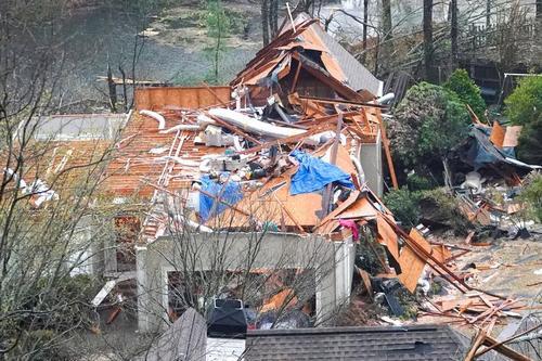 یک خانه ویران شده پس از طوفان در آلابامای آمریکا/ عکس: رویترز