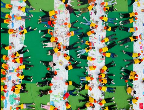 نقاشی کودکان در یک مهد کودک در نانتونگ چین/ گتی ایمجز