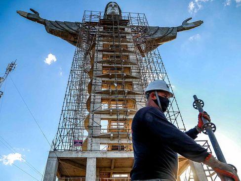 ساخت مجسمه جدید و بزرگ از عیسی مسیح (ع) در جنوب برزیل/ خبرگزاری فرانسه