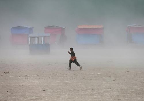 توفان شن در شهر کابل افغانستان/ رویترز