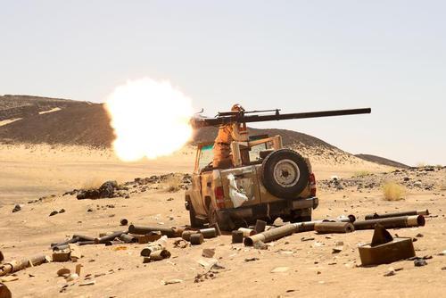 نبرد نیروهای وابسته به دولت مستعفی یمن (مورد حمایت عربستان سعودی) با نیروهای جنبش انصارالله یمن (حوثی ها) در شهر