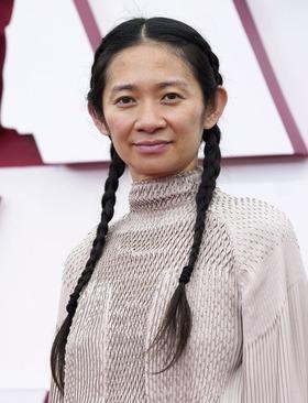 کلویی ژائو کارگردان «سرزمین آواره ها»