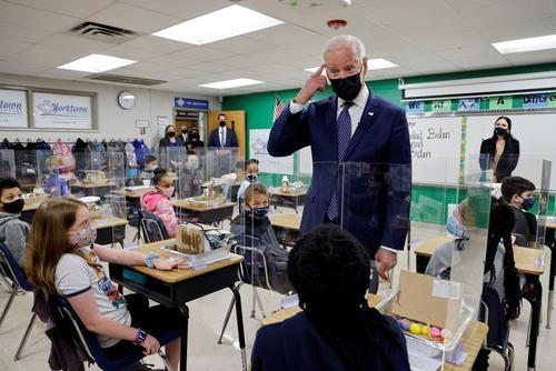 بازدید رییس جمهوری آمریکا از یک مدرسه ابتدایی در شهر