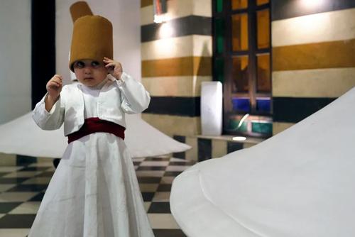 رقص صوفی در رستورانی در شهر دمشق سوریه/ خبرگزاری فرانسه