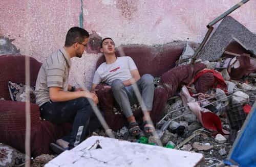 ویرانه های برجای مانده از خانه در حمله هوایی اسراییل به باریکه غزه/ خبرگزاری فرانسه
