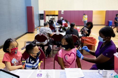واکسیناسیون نوجوانان در شهر فیلادلفیا آمریکا/ رویترز