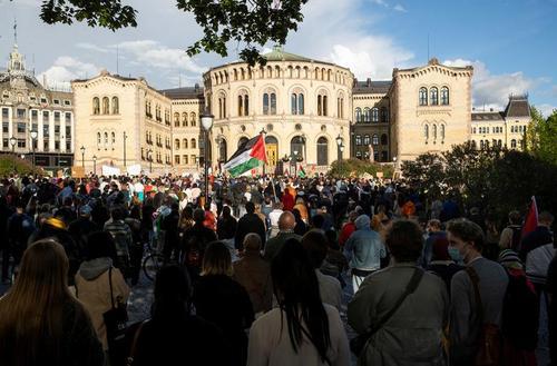تظاهرات در حمایت از مردم فلسطین در مقابل پارلمان نروژ در شهر اسلو/ رویترز