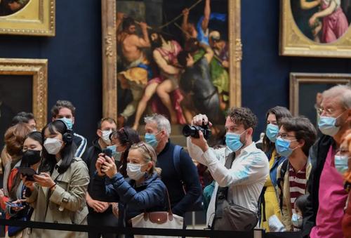 بازگشایی موزه لوور شهر پاریس پس از 4 ماه تعطیلی/ خبرگزاری فرانسه