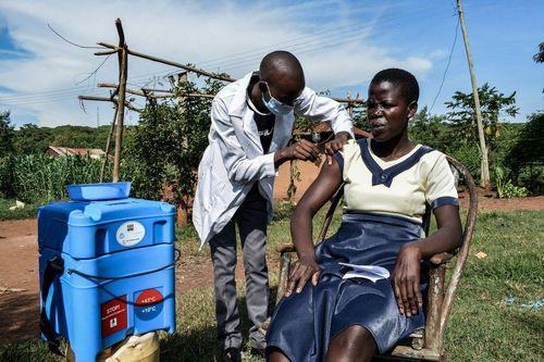 واکسیناسیون کرونا در کنیا/ خبرگزاری فرانسه