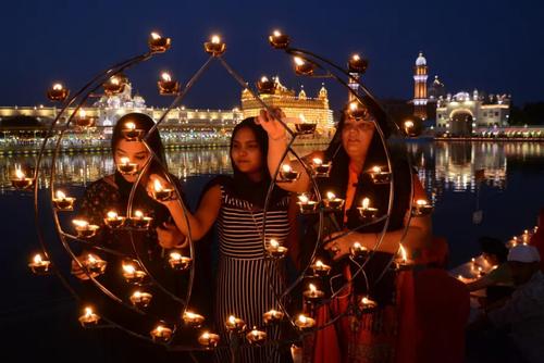 معبد طلایی هندوها در آمریتسار هند/ شینهوا