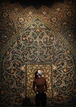 نمایشگاه هنرهای ایرانی در لندن/ EPA