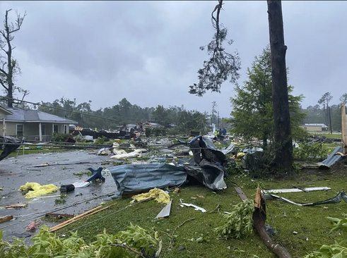 توفان گرمسیری در ایالت آلاباما آمریکا/ آسوشیتدپرس