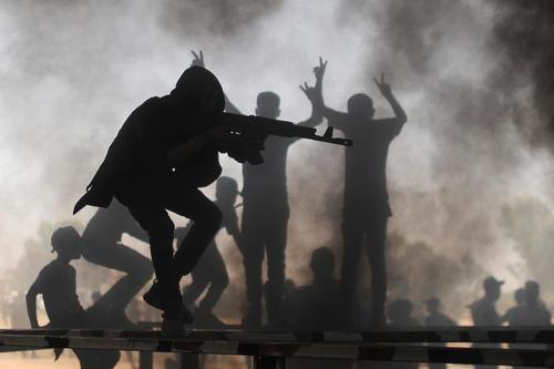 اردوگاه تابستانی آموزش فنون نظامی به نوجوانان از سوی جنبش جهاد اسلامی فلسطین در باریکه غزه / رویترز