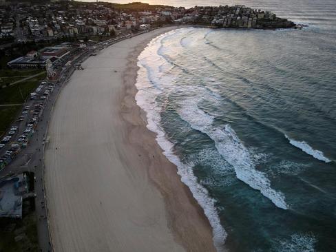 ساحل شهر سیدنی استرالیا در قرنطینه کرونایی شهر/ رویترز
