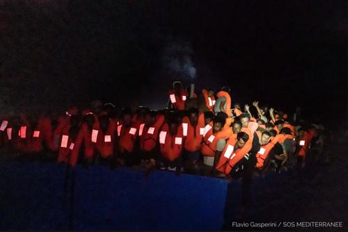 نجات جان 369 پناهجو عازم اروپا در ساحل لیبی در دریای مدیترانه/ خبرگزاری فرانسه
