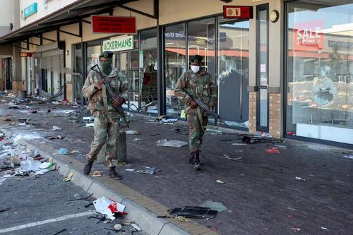 ناآرامی های گسترده در آفریقای جنوبی. زندانی شدن