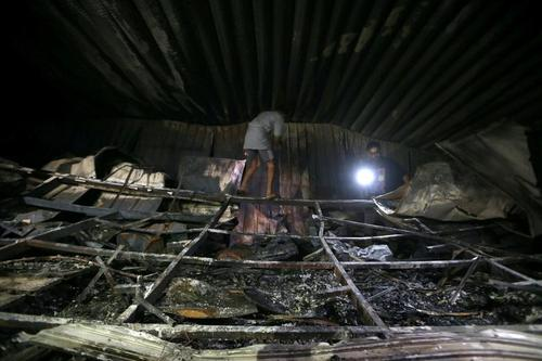 بیمارستان سوخته در شهر ناصریه عراق . در آتش سوزی این بیمارستان بیش از 100 بیمار کرونایی زنده زنده در آتش سوختند./ رویترز