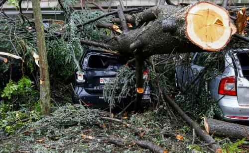 توفان در زوریخ سوییس/ رویترز