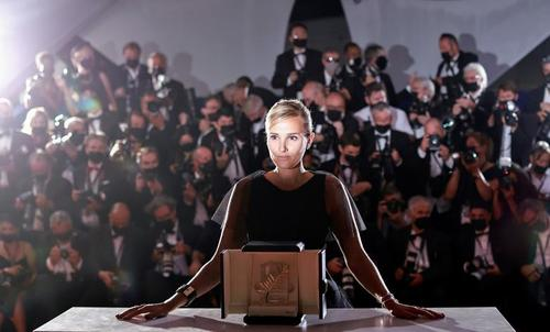 هفتادوچهارمین جشنواره فیلم کن جوایز بهترین های خود در بخش های مختلف را شناخت./ رویترز