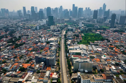 اعمال قرنطینه و منع رفت و آمد در شهر جاکارتا اندونزی برای مقابله با شیوع همه گیری سویه جدید ویروس کرونا/ خبرگزاری فرانسه