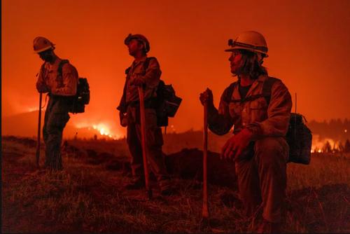 آتش سوزی گسترده جنگلی در ایالت کالیفرنیا آمریکا/ زوما و خبرگزاری فرانسه