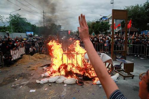 اعتراضات ضددولتی علیه سوء مدیریت دولت تایلند در بحران کرونا/ شهر بانکوک/ رویترز