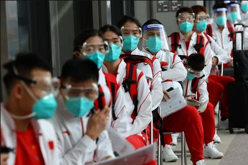 قرنطینه اعضای تیم ورزشی اعزامی چین به المپیک 2020 توکیو در فرودگاه بین المللی