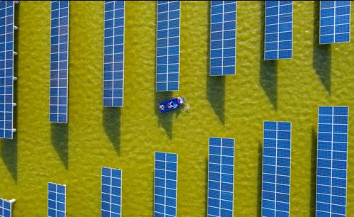 نیروگاه تولید برق خورشیدی در جیانگسو چین/ خبرگزاری فرانسه