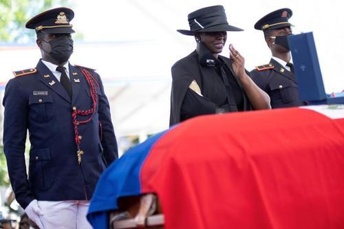 مراسم تشییع رییس جمهوری فقید هاییتی که اخیرا در منزل خود به دست عوامل مسلح به قتل رسید./ رویترز