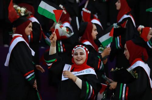 مراسم فارغ التحصیلی دانشجویان دانشگاه الزاهرا در غزه/ نورفوتو