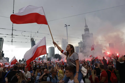 برگزاری مراسم گرامیداشت هفتادوهفتمین سالگرد قیام ورشو در پایتخت لهستان/ خبرگزاری فرانسه