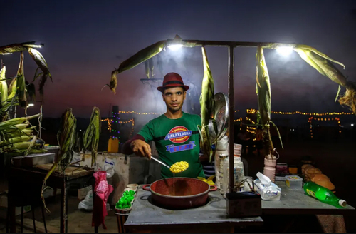 فروش پاپ کورن در ساحل نوار غزه/ نورفوتو