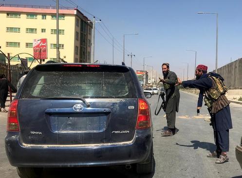 ایست بازرسی های طالبان در شهر کابل/ رویترز