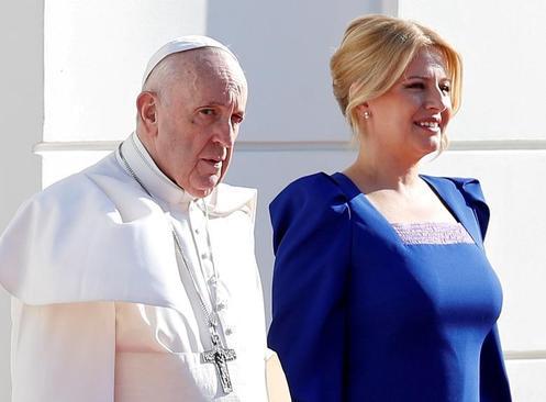استقبال رییس جمهوری اسلواکی از پاپ فرانسیس/ رویترز