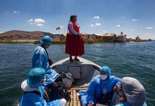 واکسیناسیون بومیان در جزیره ای در پرو/ خبرگزاری فرانسه