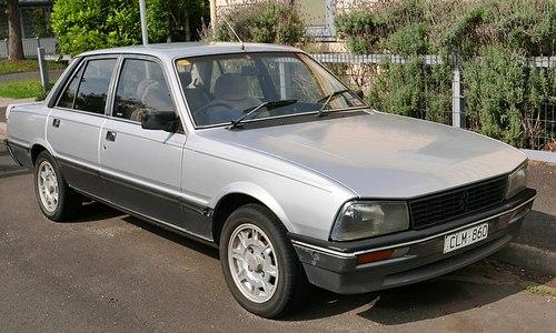 سدان 1985