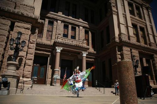 برگزاری روز بومیان آمریکا در شهرهای ایالات متحده آمریکا/ رویترز