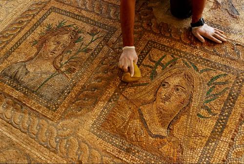 مرمت یک موزاییک 1800 ساله در ازمیر ترکیه/ خبرگزاری آناتولی