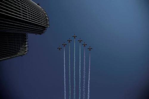 نمایش هوایی به مناسبت روز ملی اسپانیا در شهر مادرید/ رویترز